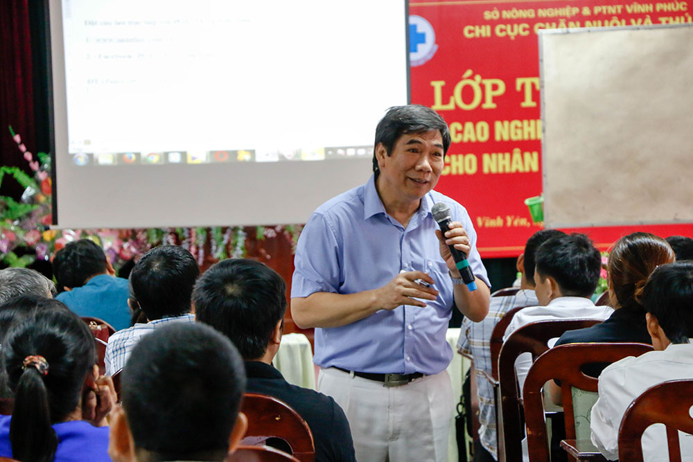 Công ty TNHH thuốc thú y Năm Thái tập huấn cho thú y cơ sở của tỉnh Vĩnh Phúc.